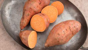 البطاطا الحلوة متى يمكنني تقديمها في غذاء لطفلي ؟