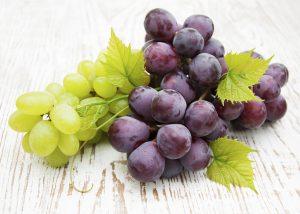 فوائد العنب للاطفال ومتى يمكننك تقديم العنب لطفلك؟