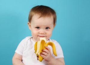 فوائد الموز ومتى يمكنك تقديم الموز الى طفلك ؟