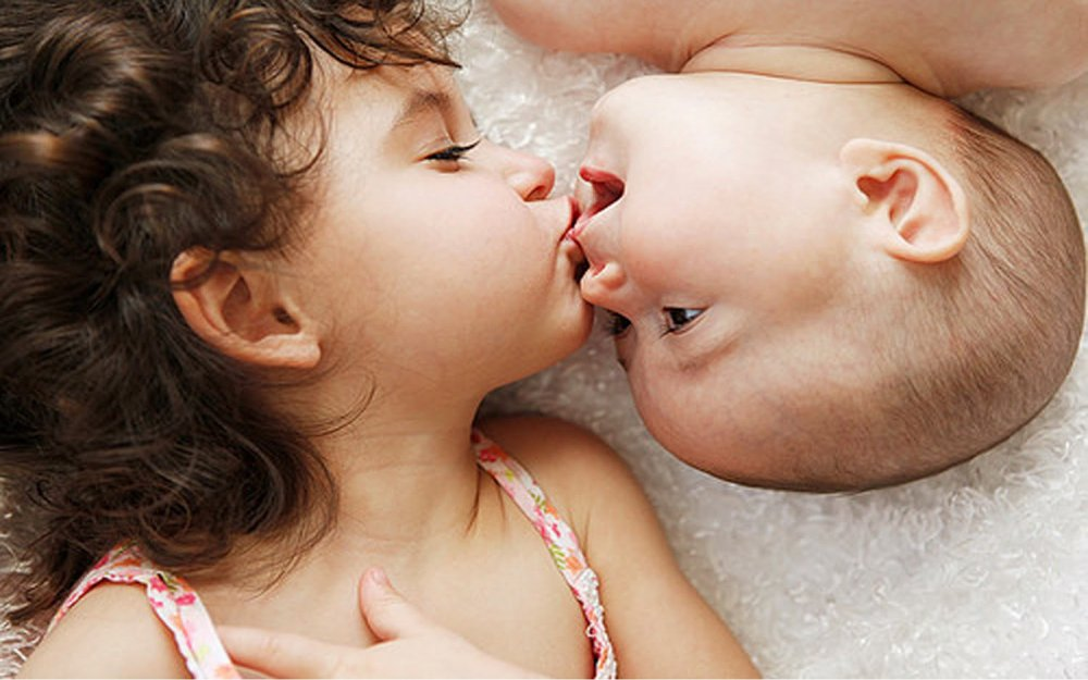 Photo of خطورة تقبيل الاطفال من الفم