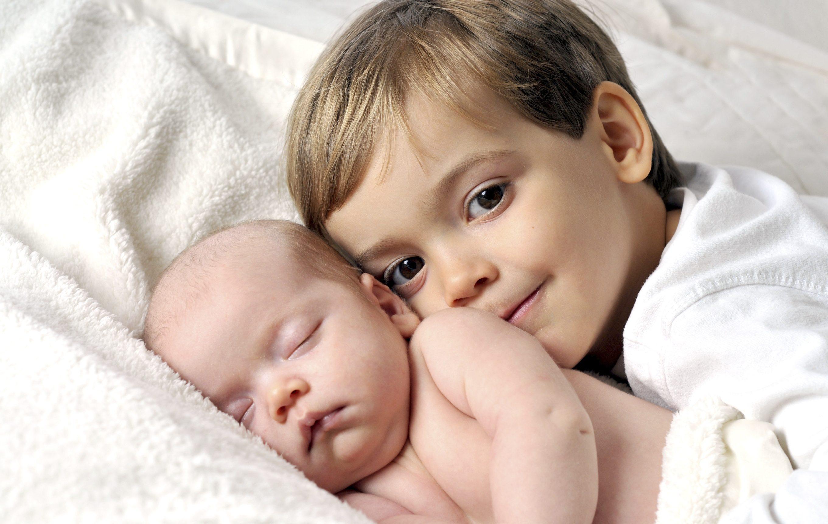 Photo of علاج الغيرة عند الاطفال