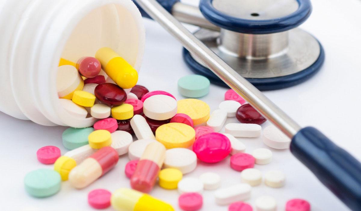 Photo of سوء استخدام الادوية يسبب مخاطر الآثار الجانبية !
