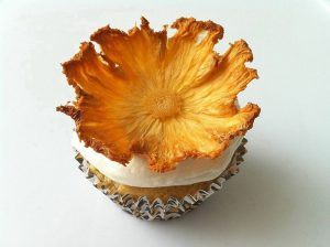 طريقة عمل وردة الاناناس المجففة لتزين الحلويات