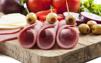 طريقة عـمل اللانشون بالبيت الفراخ واللحم بطريقة صحية وسهلة