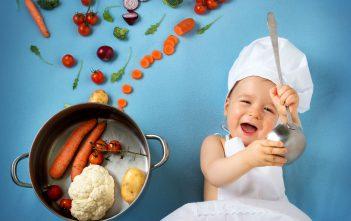 التغذية عند الرضع و جدول إدخال الاطعمة الغذائية الاساسية