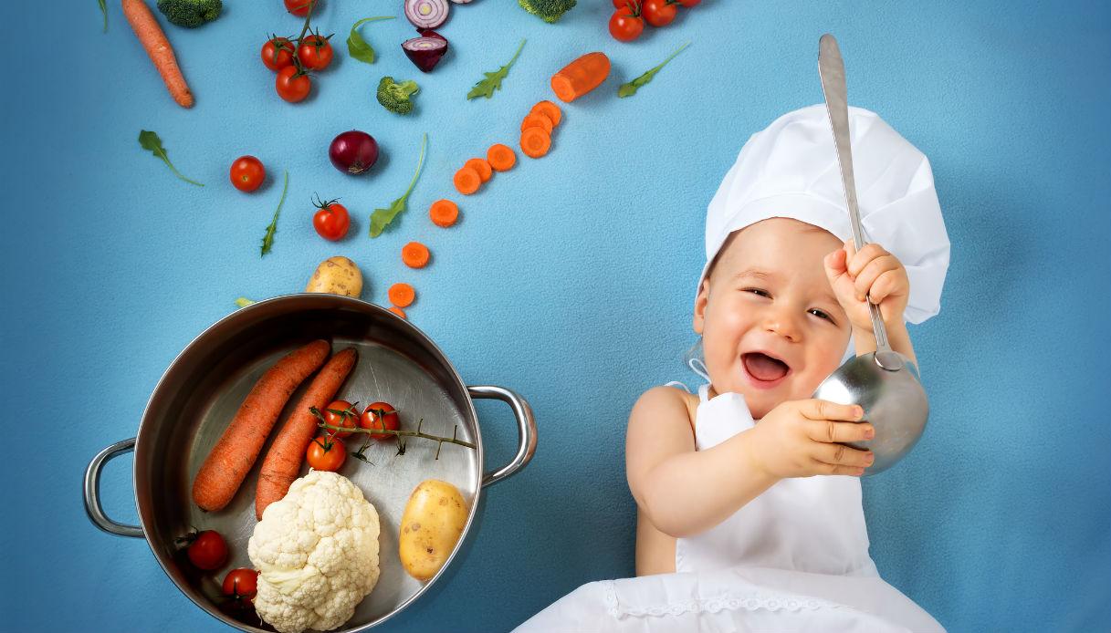 Photo of التغذية عند الرضع و جدول إدخال الاطعمة الغذائية الاساسية