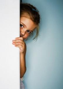الطفل الخجول الأسباب و العلاج السلوكي