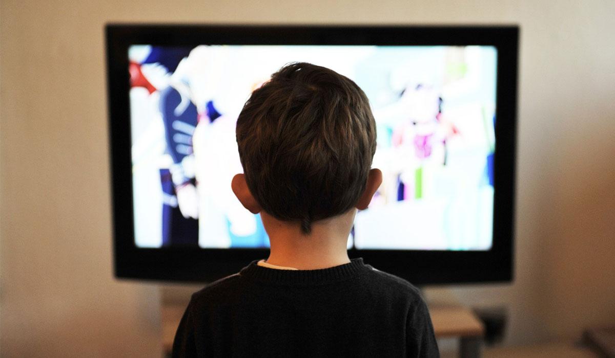 Photo of كيف تمنعين طفلك من مشاهدة التلفزيون ؟