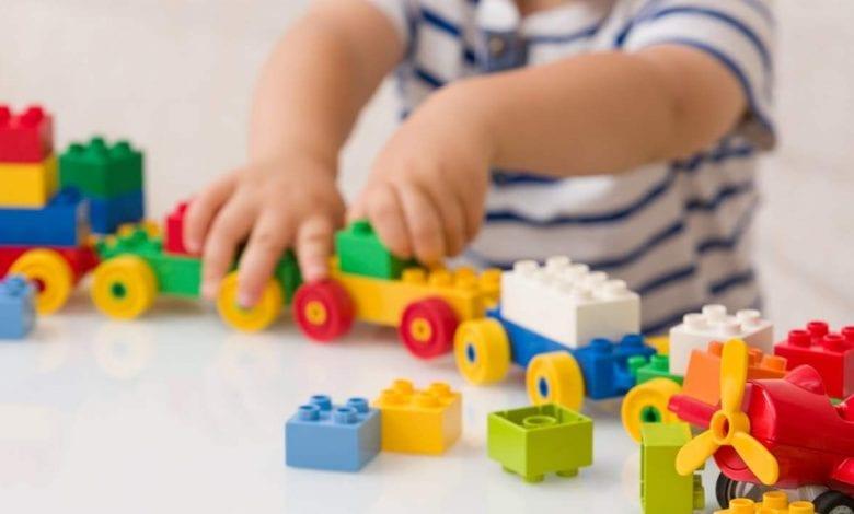 كيفية اختيار لعب الاطفال بدقة وعناية