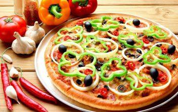 طريقة عمل البيتزا اللذيذة أحلى من المطاعم
