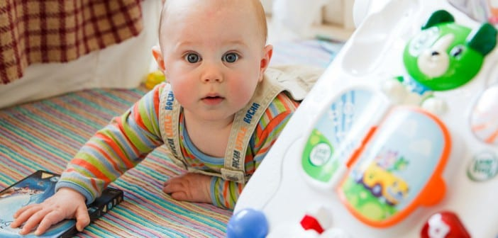 ce3d16ada6e41 موسوعة الطفل من يوم ميلاده وأجوبة لكل ما تريدين معرفتة