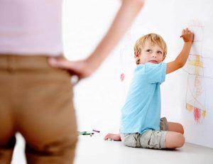 الاخطاء التربوية تسبب المشاكل النفسية و الاجتماعية للطفل