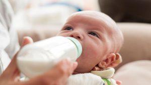 نصائح لزيادة لبن الام بطرق طبيعية