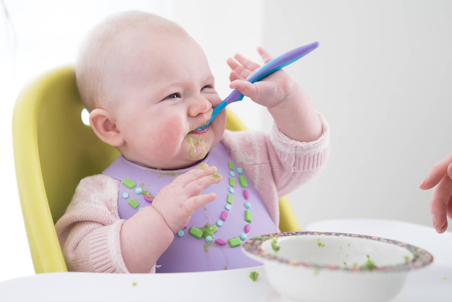 Photo of علامات الشبع عند الطفل من الطعام