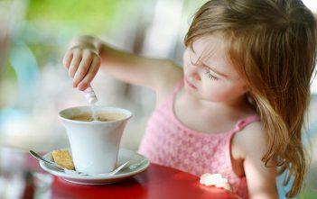 احذروا اضرار الكافيين في مشروبات الأطفال