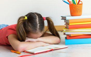 10 نصائح لمساعدةالطفل الذي يعاني من صعوبة التعلم