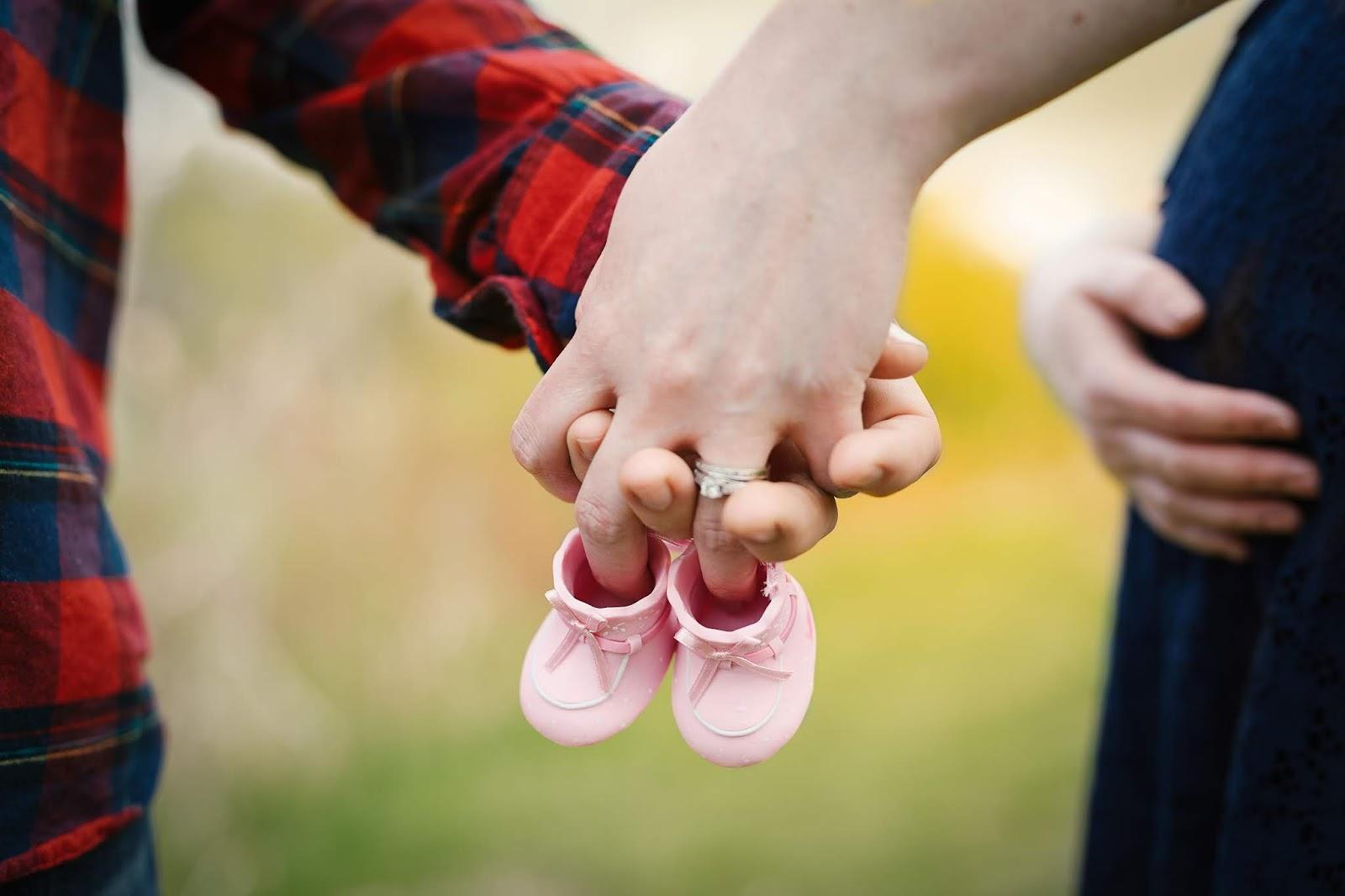 Photo of اعراض الحمل والتصرف معها