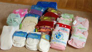 ملف شامل عن حفاضات الاطفال وكيفية التنظيف وتغيير الحفاض