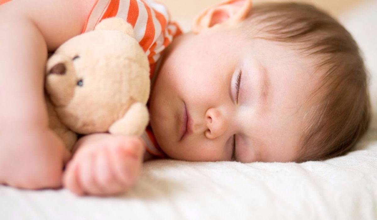 Photo of متى يمكن نوم الطفل لوحده في سريره بعيداً عن غرفة الوالدين