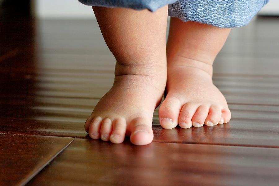 Photo of مراحل المشي عند الاطفال و بعض الاشياء التى قد تساعد أو تعيق المشى
