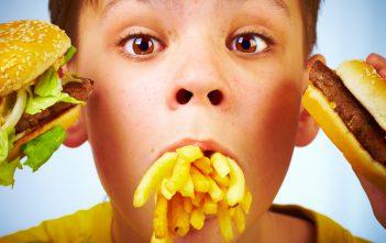 إدمان الأطفال على وجبات مطاعم الوجبات السريعة