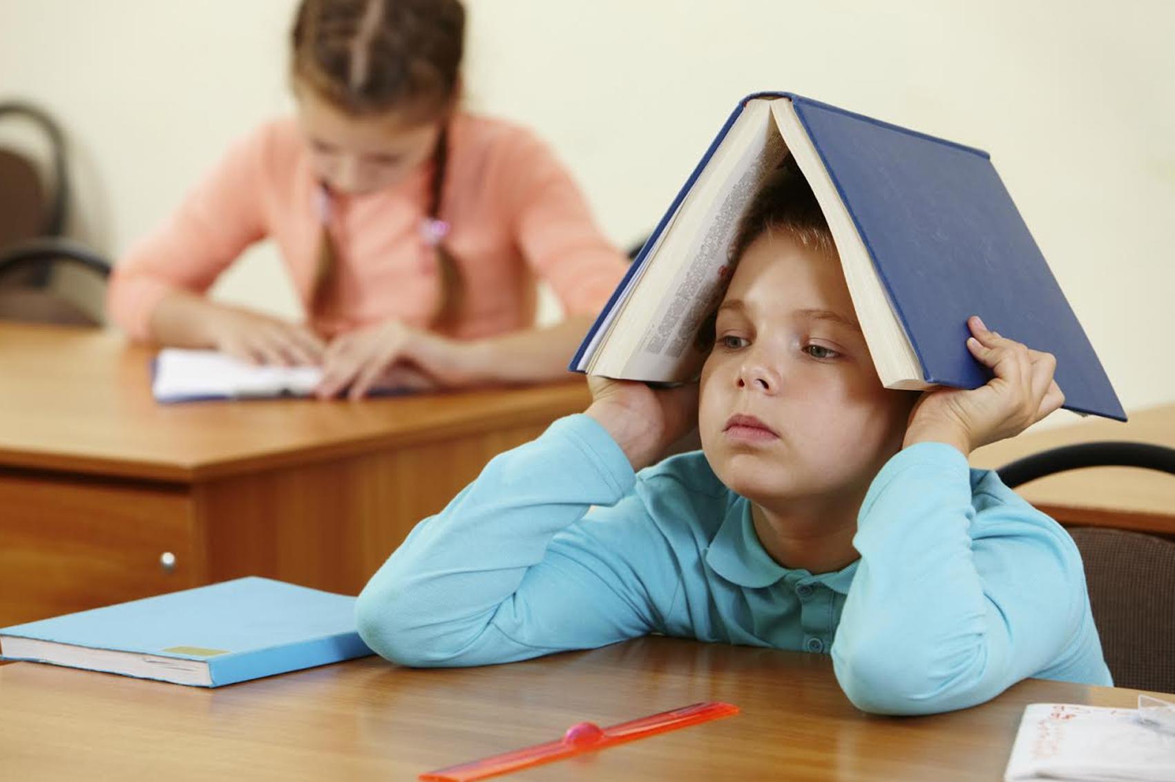 خجل الطفل يؤثر على التحصيل الدراسي