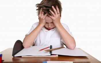 طفلي لا يحب الدراسة ماذا افعل
