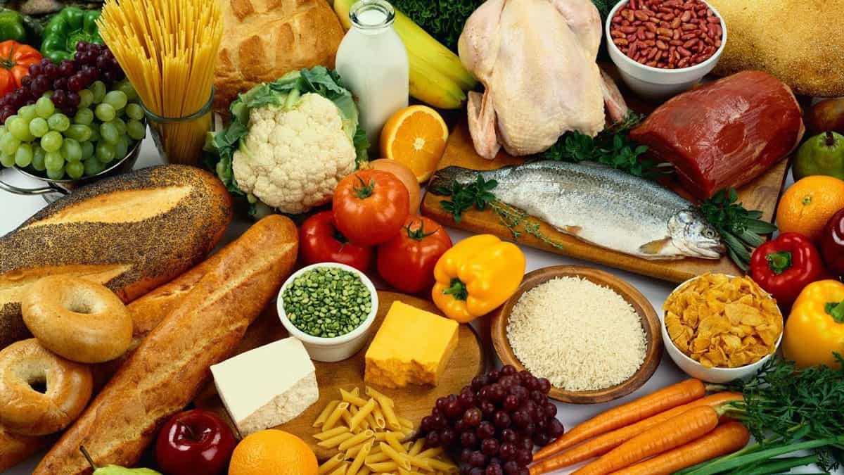 Photo of مصادر الفيتامينات وكيف نحصل عليها من الطعام ؟