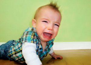 اشياء توتر العلاقة بين الام والطفل
