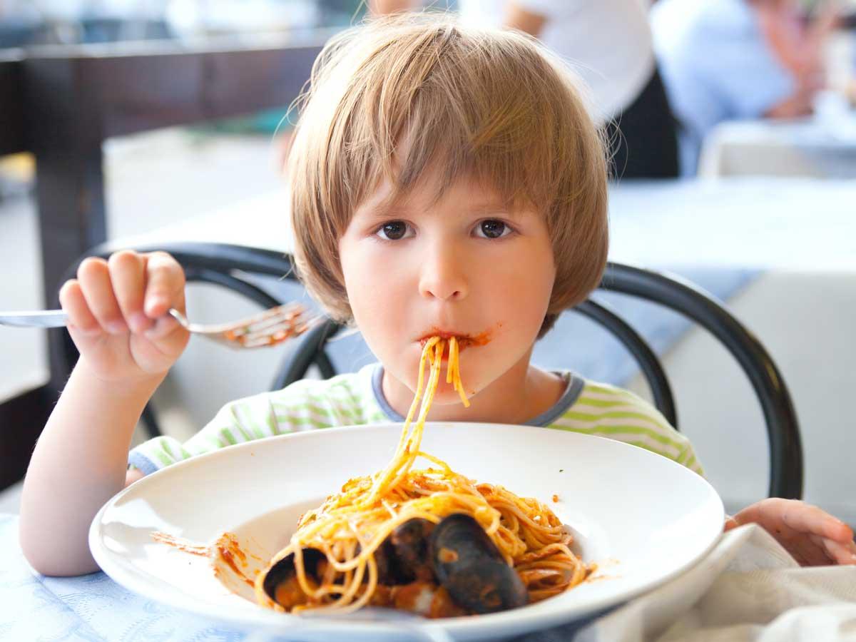Photo of دور البيت والمدرسة في تعويد الطفل على الغذاء الصحي
