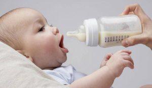 أسباب رفض الطفل الرضاعة الصناعية (الببرونة)