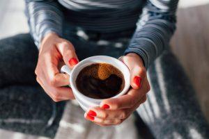 كيف يتعامل الجسم مع القهوة وهل حقاً شرب القهوة يتحول إلى الإدمان؟