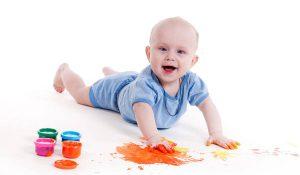 انشطة لتنمية قدرات الطفل الذهنية قبل السنة