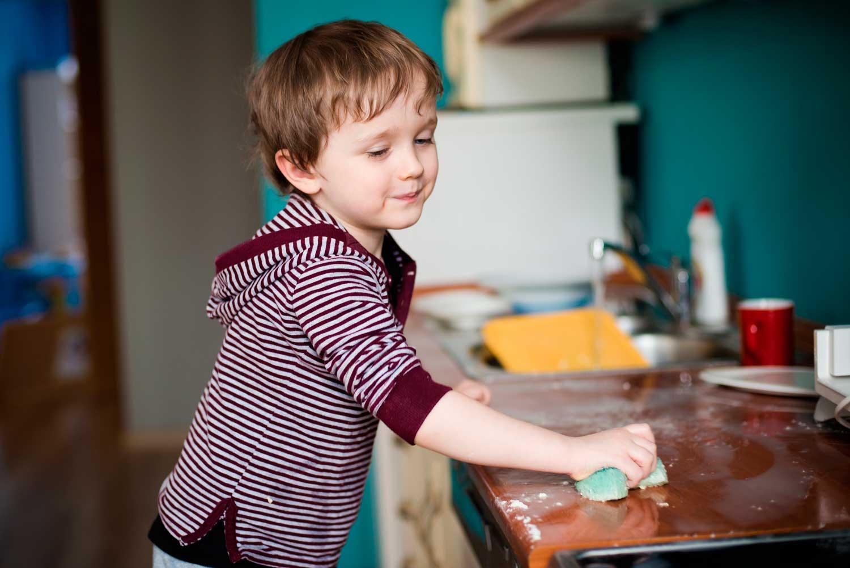 حيل لمشاركة و مساعدة الاولاد في الاعمال المنزلية