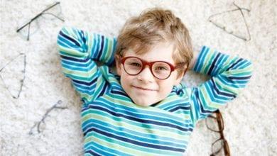 Photo of متى يستوجب ارتداء النظارة الطبيية للطفل