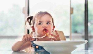 غذاء الطفل في عمر السنة و ما قبله