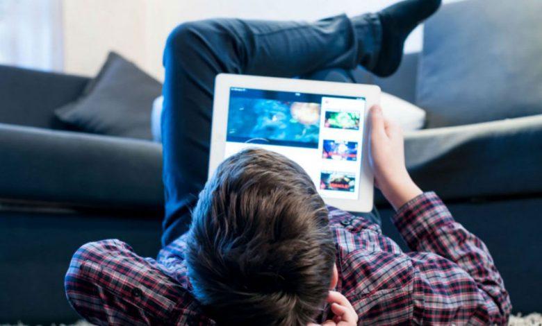 الاثار السلبية و اضرار الكمبيوتر والايباد علي الطفل