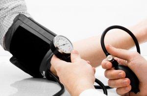 السيطرة على ارتفاع ضغط الدم بخطوات بسيطة