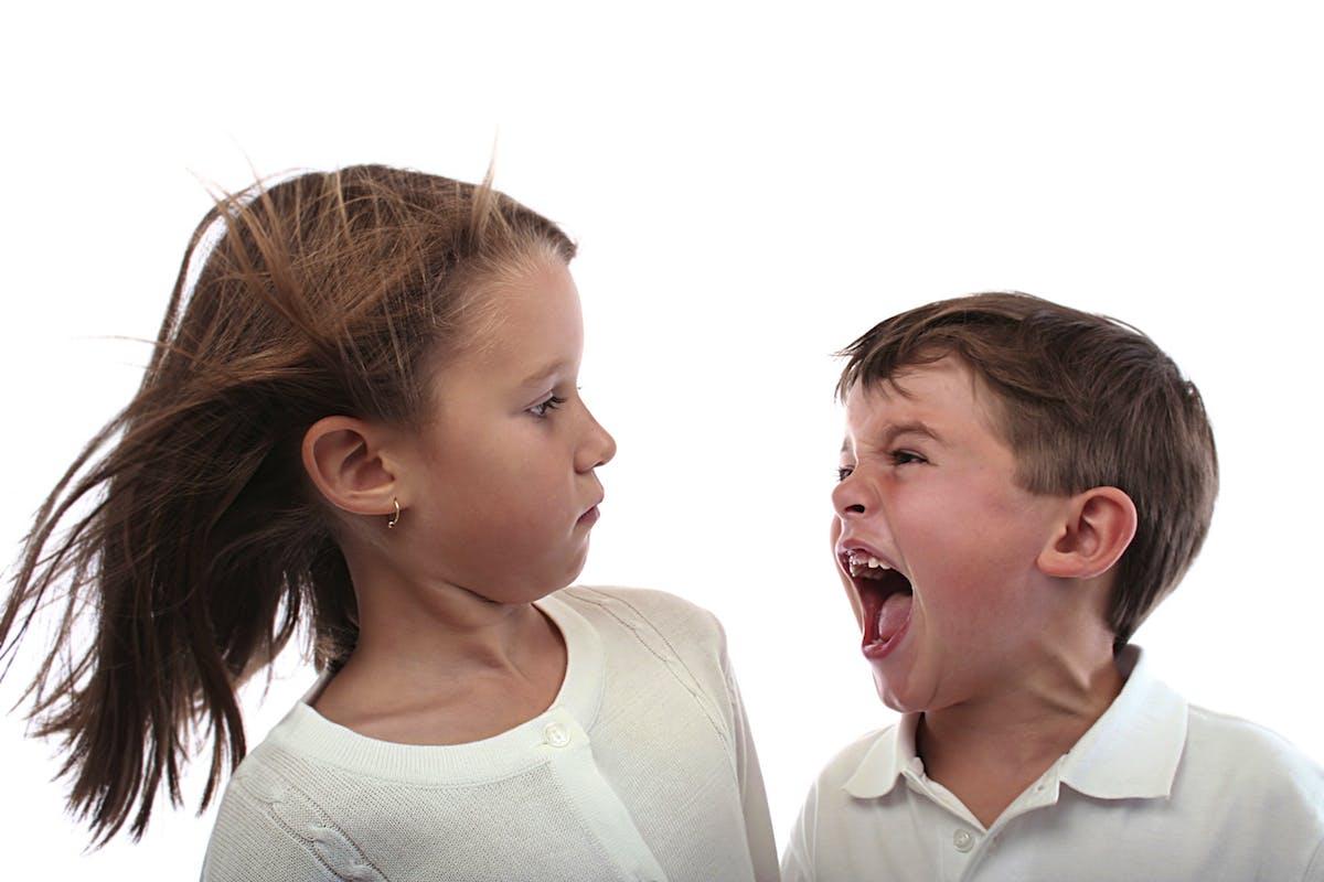علاج العنف والعدوانية عند الاطفال