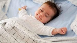دليل نوم الطفل الرضيع في أول شهور من عمره