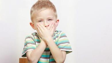 Photo of كيف تساعد طفلك لو متأخر لغويا في نطق الكلام