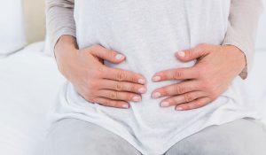 علاج عسر الهضم وحرقة المعدة والانتفاخ والغثيان أثناء الحمل