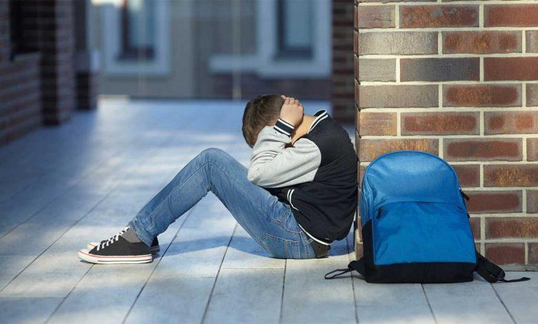 اعراض وعلاج الاكتئاب عند المراهقين