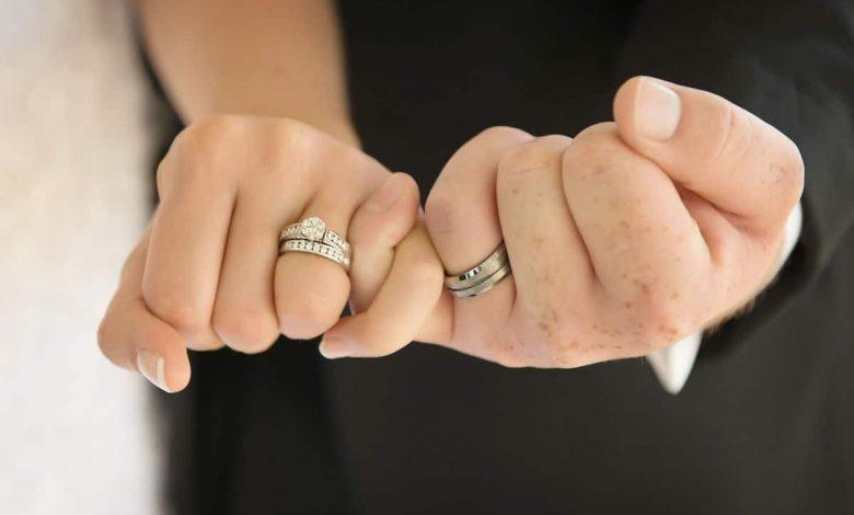 الحفاظ على اختلاف شخصية الزوجين رغم إتحادهم معاً في الزواج