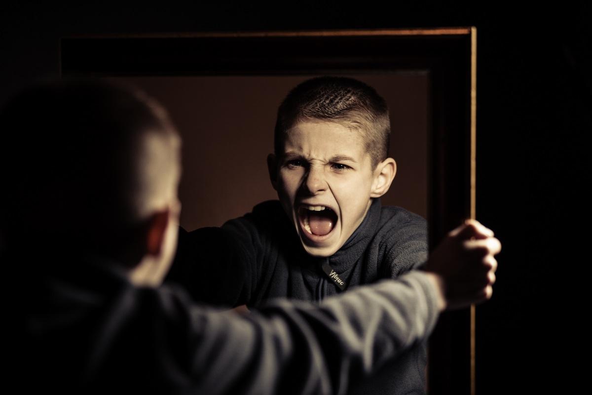 Photo of ابعد تفكير الطفل عن السلوك العنيف