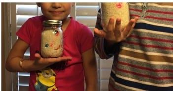 تسلية الاطفال بلعبة البحث والتنقيب