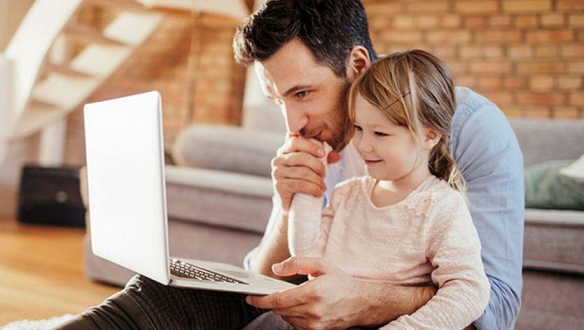 أهمية وجود الاب بالمنزل ومشاركته في تربية الأولاد