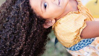 Photo of لكل أم لديها طفلة ذات شعر مجعد 5 نصائح لشعر الاطفال المجعد