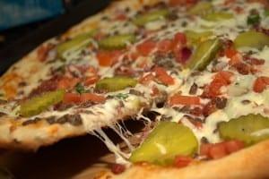 طريقة عمل بيتزا البرجر روعة بالصور