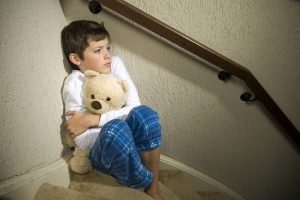 عبارات لاتقال عند خوف الطفل وأمور لايجب أن تفعليها في التربية